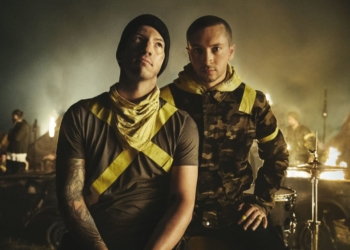 "Twenty One Pilots представили клип на ""Heavydirtysoul"""