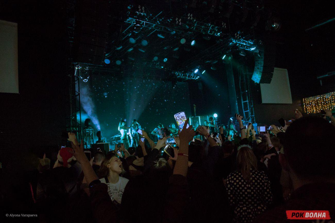 Концерт двух десятилетий: The Hatters встретили Новый год на сцене в Москве