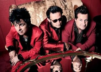 """Green Day выпустили новый альбом """"Father of All..."""""""