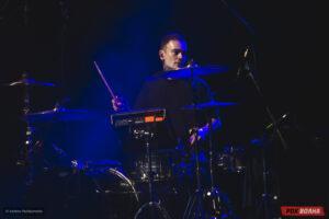Louna выступили внезапно с акустическим концертом в Москве