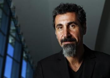 """Серж Танкян выпустил мини-альбом """"Elasticity"""""""