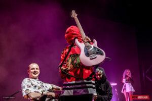 """Такой себе панк-рок: большой концерт """"Кис-Кис"""" в Москве"""